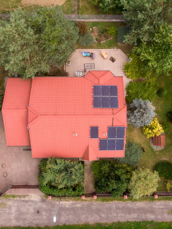 fotowoltaika na dachu dwuspadowym
